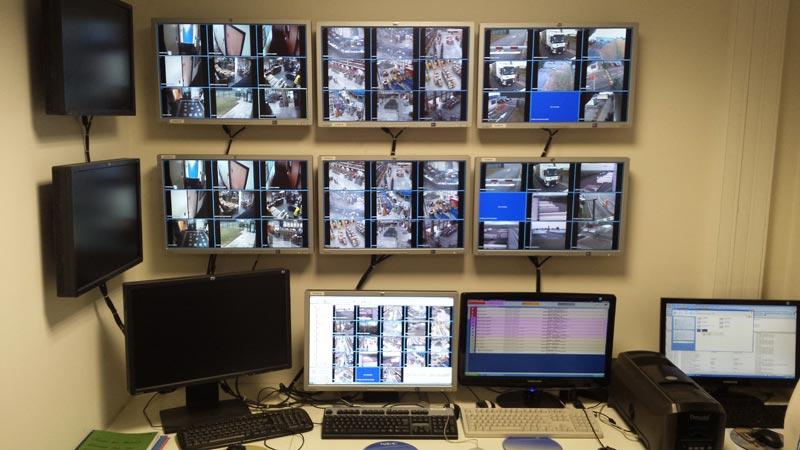 salle écran pc vidéosurveillance supervision